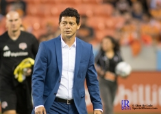 Houston Dynamo Head Coach Wilmer Cabrera Walks towards the pitch prior to a Match between the Houston Dynamo vs The New York Red bulls April 1,2017 BBVA Compass Stadium